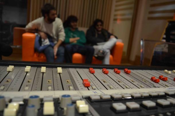 No trio for cats at Tube Recording Studio