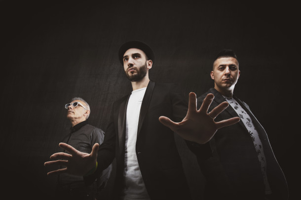 mOs Trio